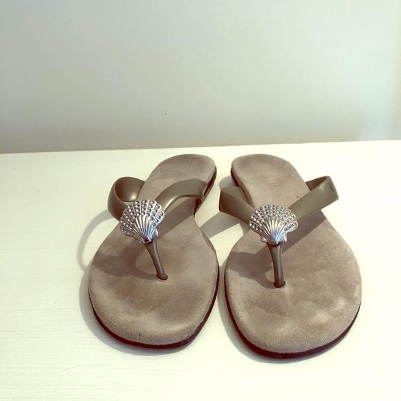 2d5ce11a7 AEROSOLES Shoes - Aerosols seashell flip flops